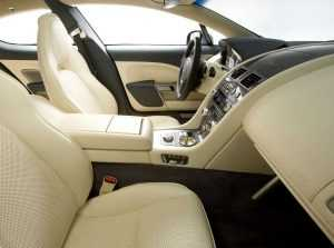 Интерьер Aston Martin Rapide