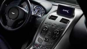 Компания Aston Martin представила Rapide AMR