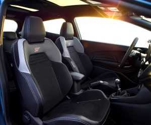 Интерьер Ford Fiesta ST