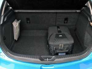 Багажное отделение Мазда 3 BL