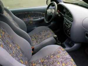 Интерьер Ford Fiesta IV