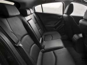 Задний ряд сидений Mazda 3