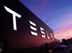 Tesla собирается выпустить компактный городской электромобиль