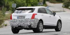 Недавно на дорожных тестах был сфотографирован обновленный кроссовер Cadillac XT5