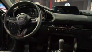 Салон новой Mazda 3 2019