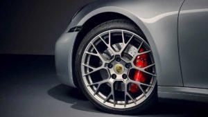 Новый автомобиль Porsche 911 поколения 992