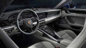 Новый автомобиль Порше 911 поколения 992